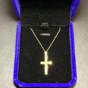 10k gold necklace with cross pendant